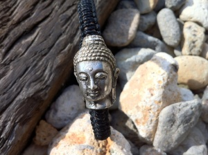 This Buddha Head Bracelet is one for the guys!  This is Bryan's Xmas present.